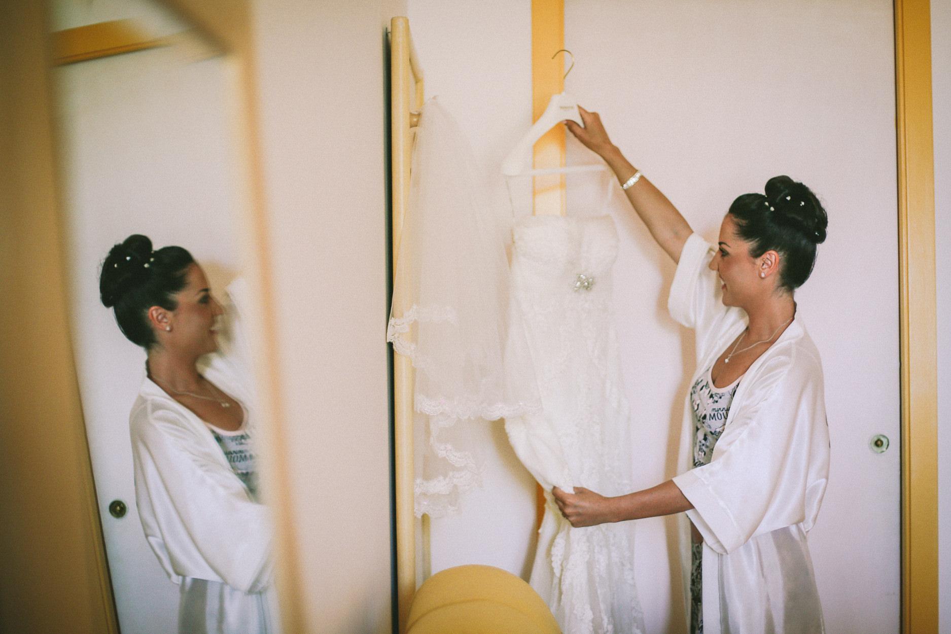 English-Wedding-Photographer-Sorrento- Rivage-Hotel-Pridal-Preparations-Pronovias-Wedding-Dress-13