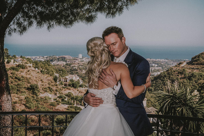 Hugs-at-weddings