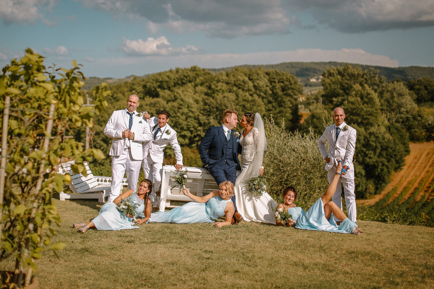 bridal party picture Wedding ceremony photography Fattoria la Loggia Tuscany