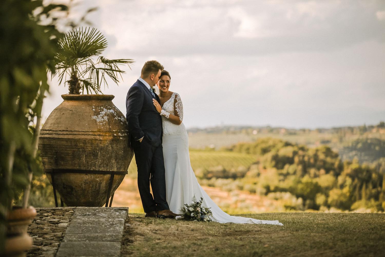 Fattoria-la-loggia farmhouse wedding venue in Tuscany