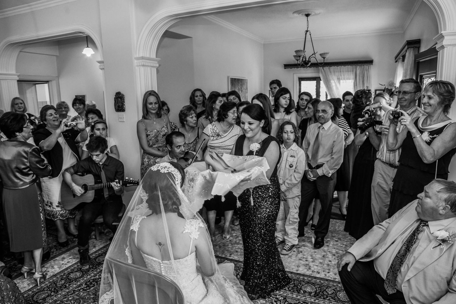 Dressing the bride, Greek wedding traditions