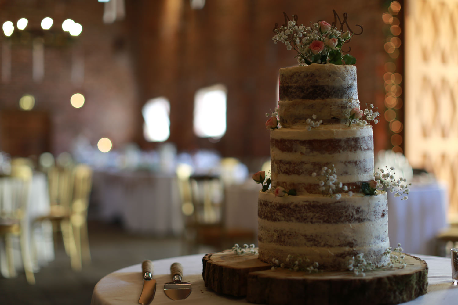 rustic wedding cake meals hall