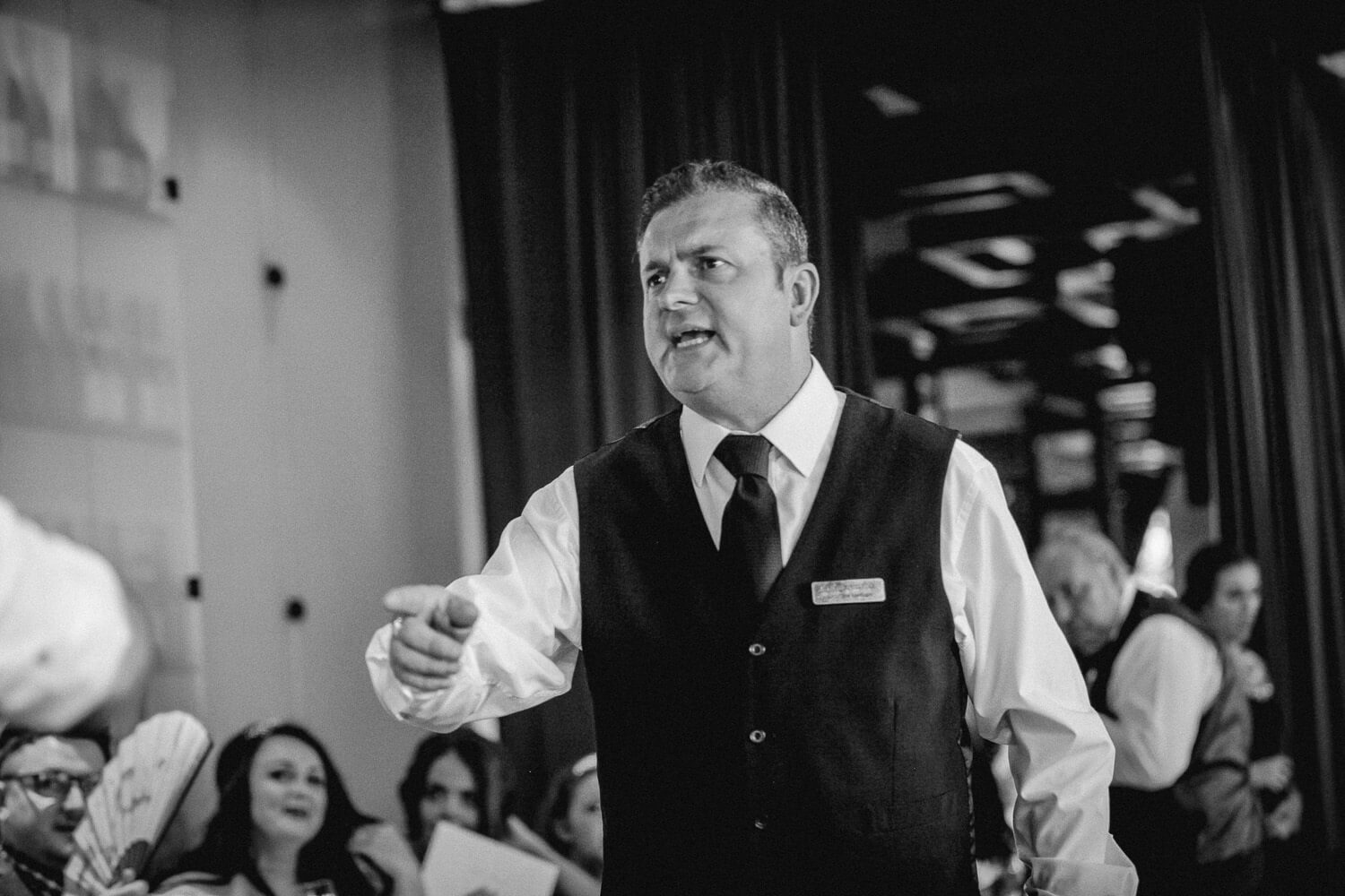 singing waiter Liverpool