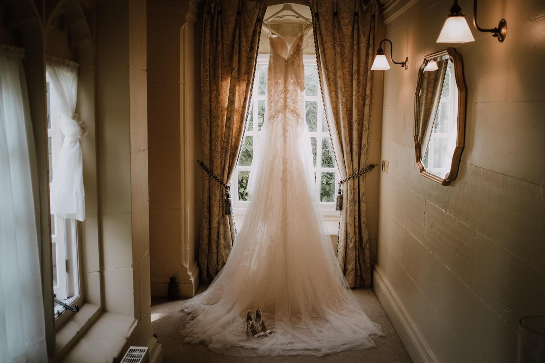 COMBERMERE ABBEY WEDDING PHOTOGRAPHER: CHIC CHESHIRE WEDDING