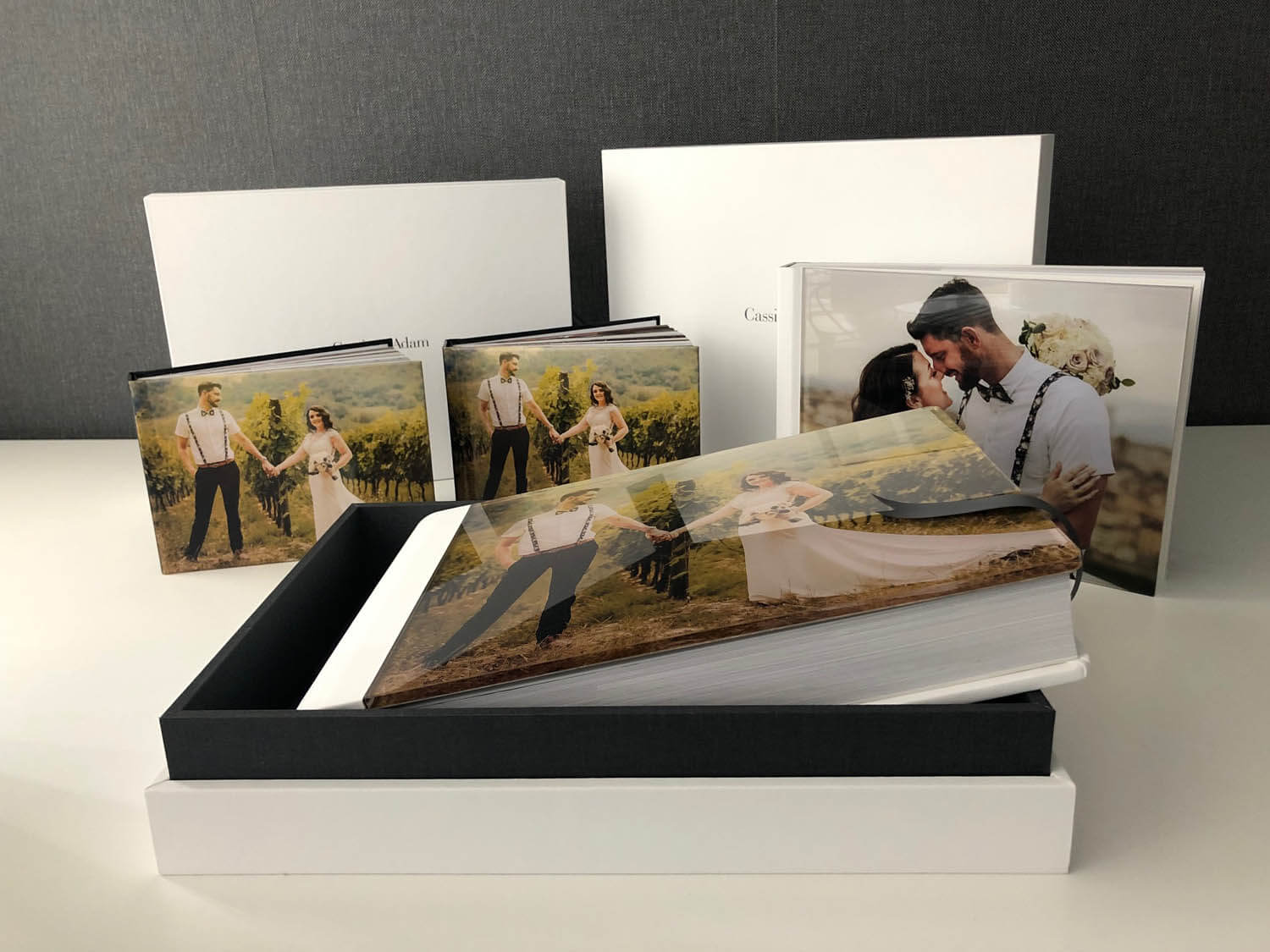 Should I buy a wedding album? Storybook wedding album with parent book Young Book and OWB