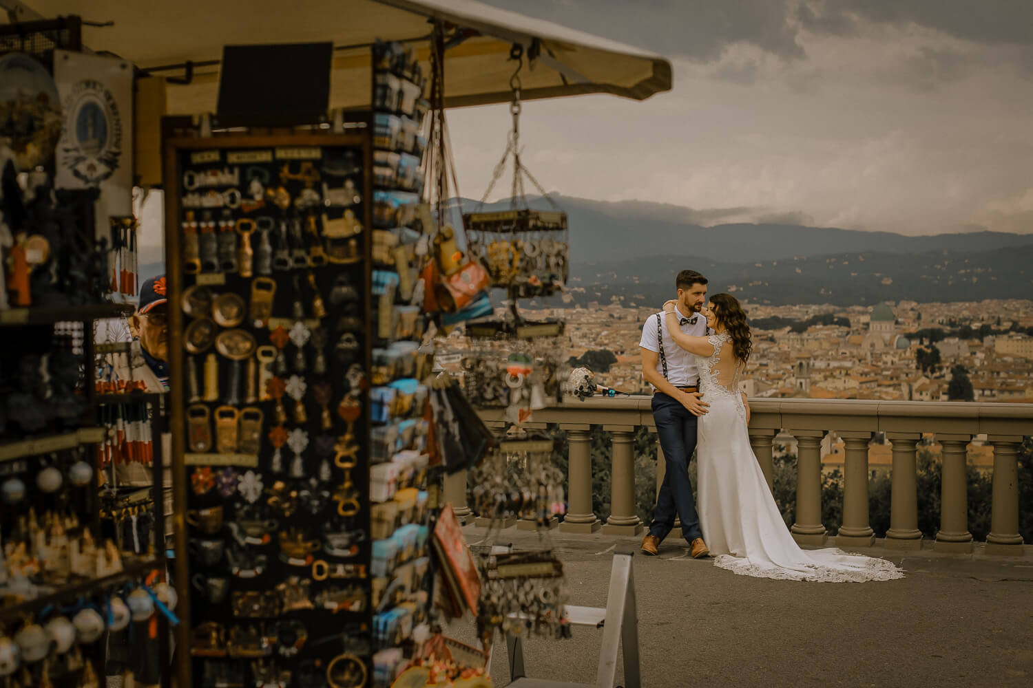Florence souvenirs with bride and groom.